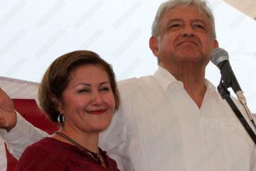 Eva Cadena y AMLO