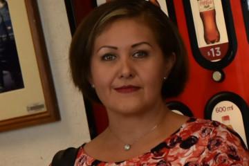 XALAPA, VERACRUZ, 26ABRIL2017.- La diputada local de Morena Eva Cadena, quien se mira en un video en donde se aprecia que recibe medio millón de pesos en efectivo supuestamente para la causa de su partido, asistió a la FiscalÍa General del Estado a interponer una denuncia contra quien resulte responsable por la filtración de dicho material.  FOTO: ALBERTO ROA/ CUARTOSCURO