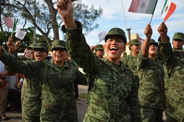 Militares felices