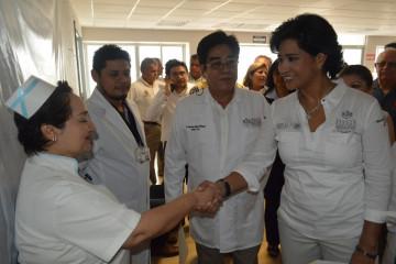 Enfermera y Elízabeth Morales