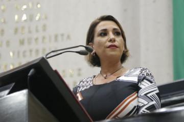 Mariana Dunyaska propone incentivos fiscales para empresas que contraten a personas mayores de 40