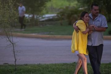 CULIACÁN, SINALOA, 17OCTUBRE2019.- Diversos enfrentamientos se registaron tras la detención de unos de los hijos de El Chapo Guzmán, hombres armados dispararon armas de grueso calibre  en zonas muy concurridas por la población, camionetas baleadas y personas muertas se observaban en las calles.  FOTO: CUARTOSCURO.COM